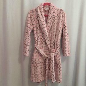 Plush Pink Short Wrap Robe Black Geometric Tie Bel